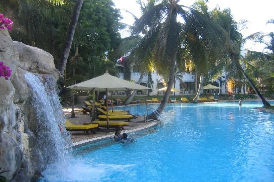 Sarova Whitesands Beach Resort & Spa: Poolbereich