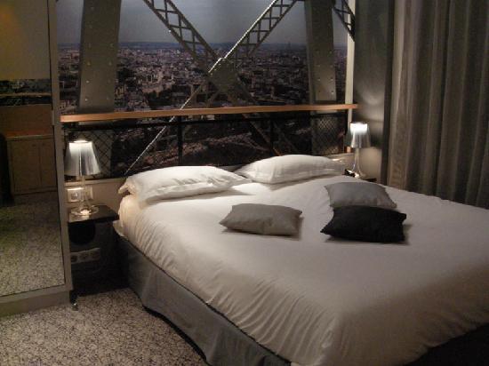 Hôtel Design Secret de Paris: The comfortable bed