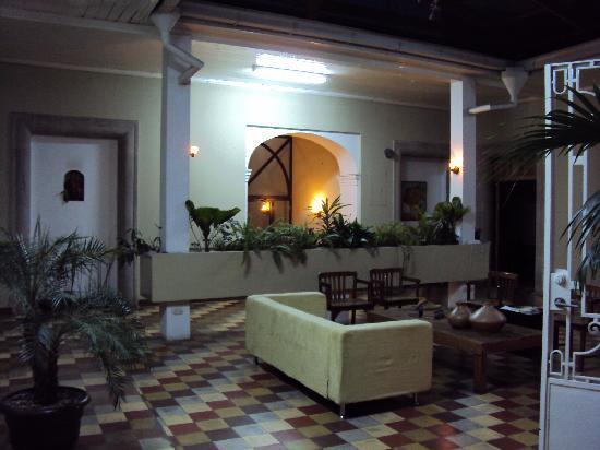 Hotel Villa Del Centro : comfy lobby