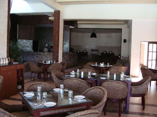 Suntikoppa, India: Restaurant