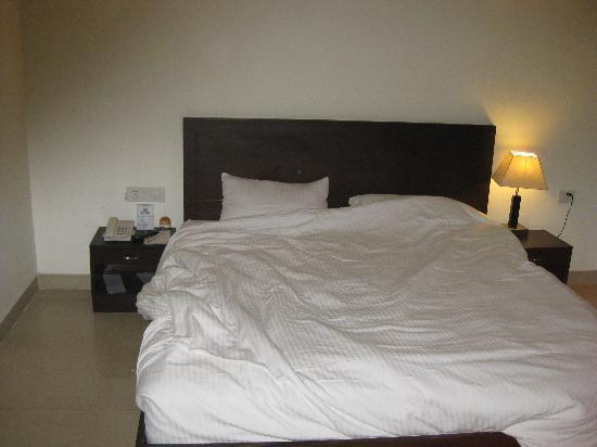 Hotel Impress: Bed