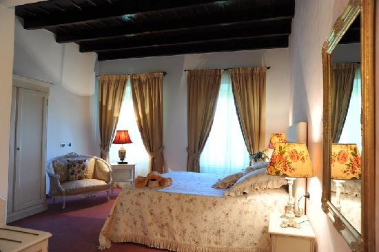 La mia camera in stile provenzale - Picture of Villa Baroni, Bodio ...