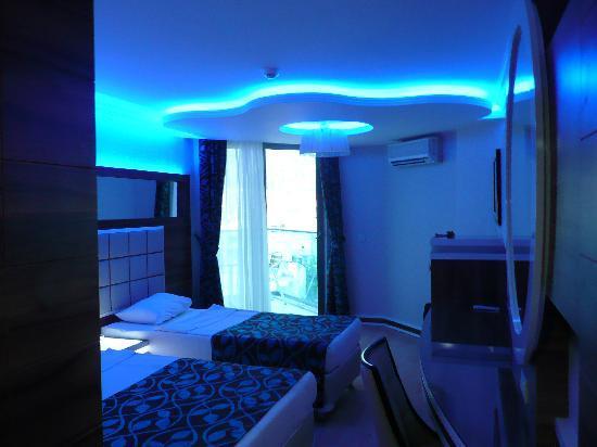 Grand Zaman Beach Hotel: The room