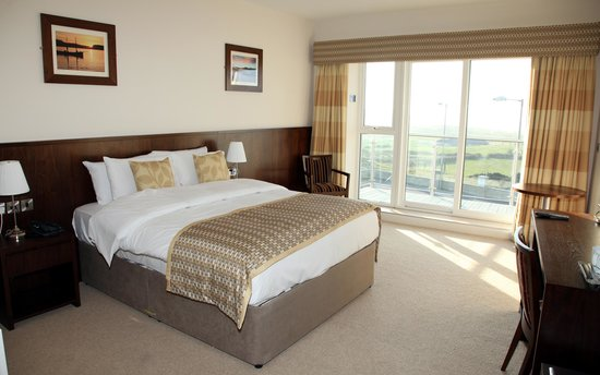 Strandhill Lodge and Suites Hotel: Sunny Suites!