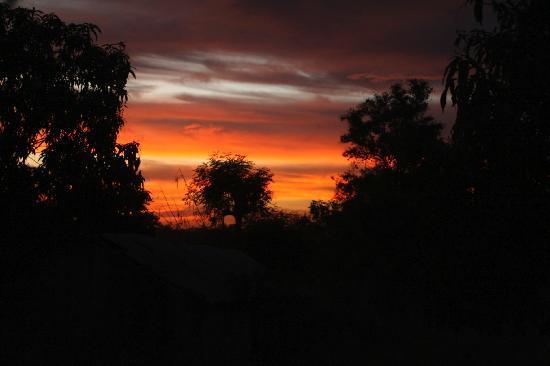Kaira Konko Lodge and Scout Centre: Sunset