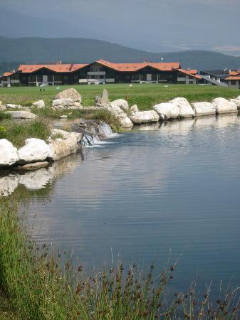 Razlog, Bulgaristan: Lake at the golf course