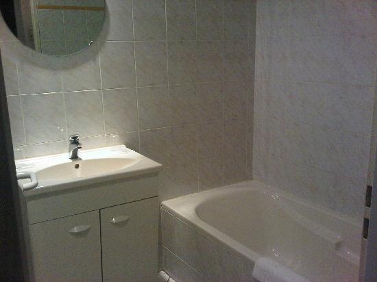 Hotel du Parc: salle de bain