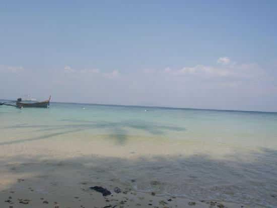 Tohko Beach Resort: plage de l'hôtel