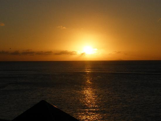Cocobay Resort: What a sunset!