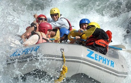 Zephyr Whitewater Expeditions : Corner Pocket rapid on the Merced River