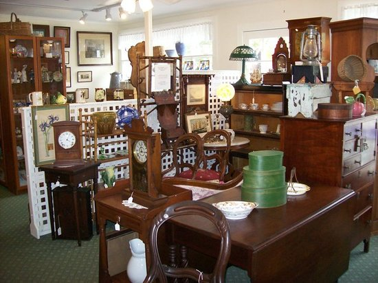 TreeHouse Antiques Center