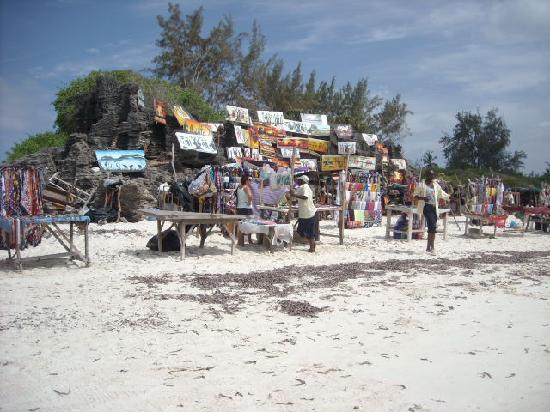 Barracuda Inn: bancarelle sulla spiaggia
