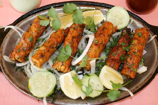 Garlic naan fotograf a de al noor restaurant lawndale for Al noor indian cuisine