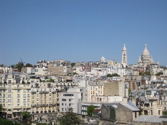 Ibis Paris Montmartre 18ème : The view from our room