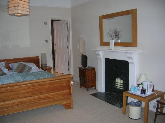 Velwell House Bed & Breakfast: The Square bedroom