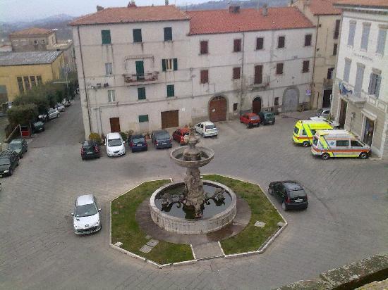 B&B Relais nel Borgo: piazza sotto la terra
