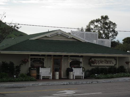 La Cuesta Inn: A good place to eat, right across the street