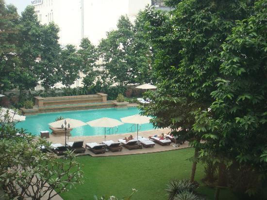 Park Hyatt Saigon: The swimming pool