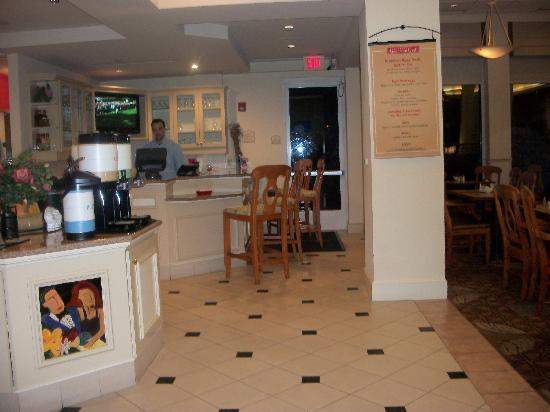 Bar Dining Area Picture Of Hilton Garden Inn Sarasota Bradenton Airport Sarasota Tripadvisor