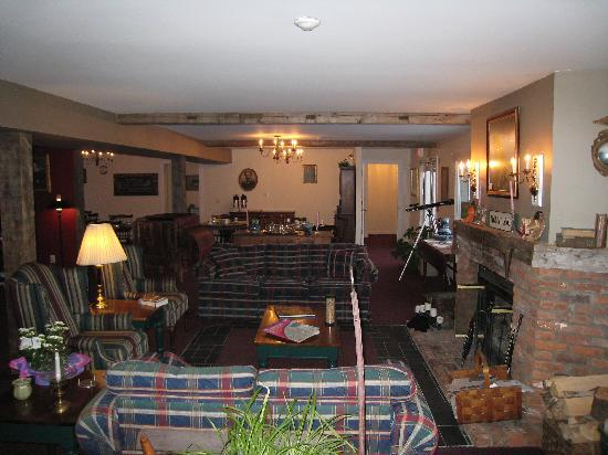 Inn at Mount Snow: The great room