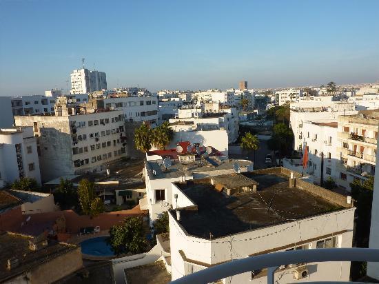 Le Diwan Rabat - MGallery Collection: Vue à l'arrière de l'hôtel, bof bof...