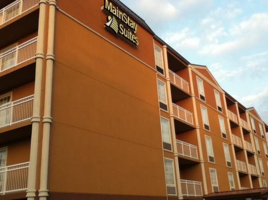 MainStay Suites Knoxville: outside view feb. 2011