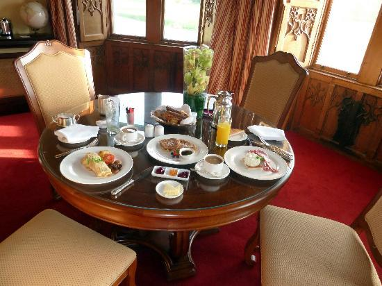 Adare Manor: delivered the complimentary breakfast in the room