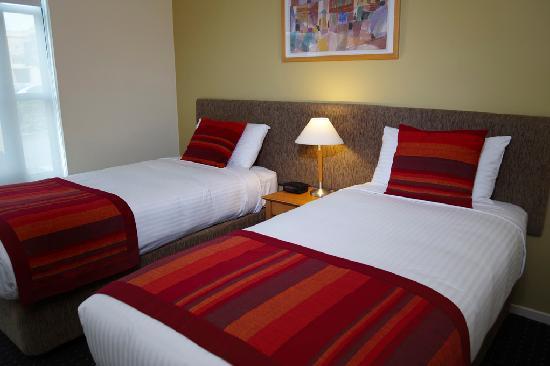 كويست ناري وارين: One, two and three bedroom apartments with different bedding configurations available to suit al