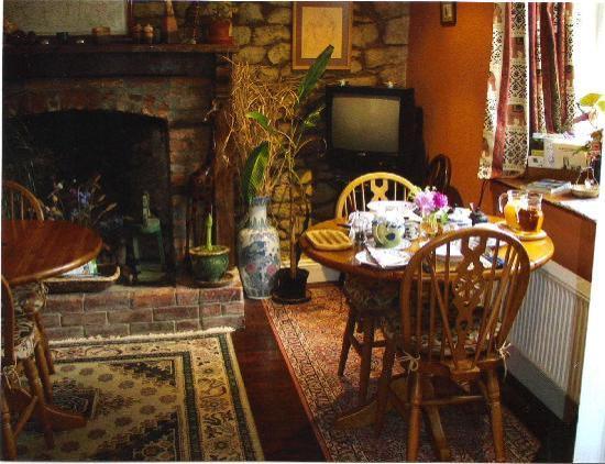 The Glen B & B: Breakfast Room and Lounge