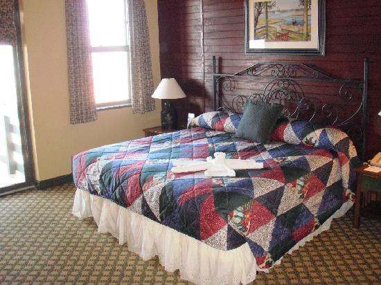 Disney's Hilton Head Island Resort: Master bedroom
