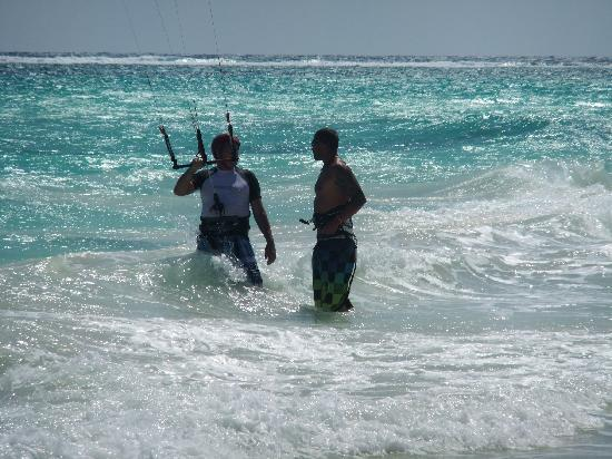 Morph Kiteboarding Maroma Beach: Duncan teaching my dad