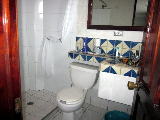 Hotel Rio Malecon Puerto Vallarta: Bathroom in room 108 at Hotel Rio - Feb 2011