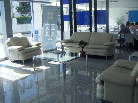 One Playa Del Carmen: Lobby
