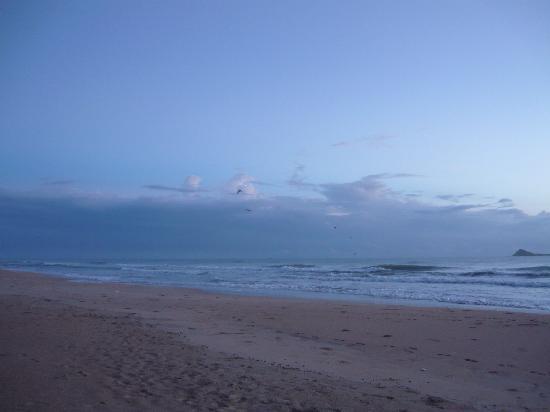 Nilaveli Beach Hotel: Sun rise @ Nilaweli