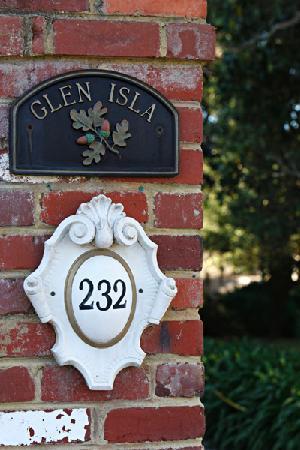 Glen Isla House: Front gate