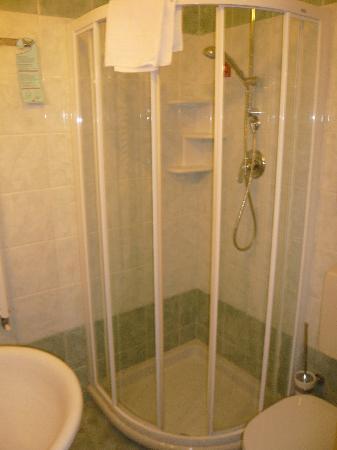 Hotel Axial: salle de bain