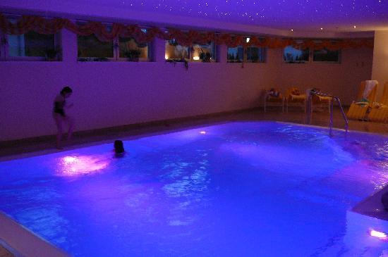 Schruns, النمسا: belle piscine