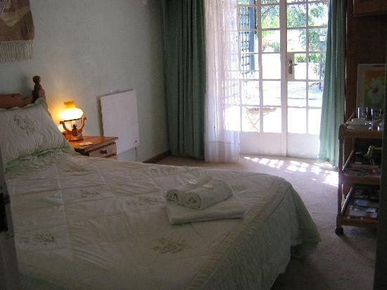 Airport En Route Travel Lodge & Guest House: Nyala room