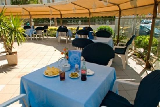 BEST WESTERN Mediterraneo: Bar