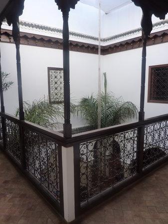 Riad Morgane: First floor balcony