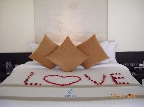 Nikki Beach Resort & Spa : It was Valentine's Day when I arrived!