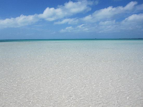 Seven Stars Resort & Spa: Taylor Bay shallow water - amazing!