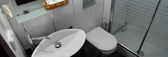 Ata Park Hotel: atapark hotel  bath-room