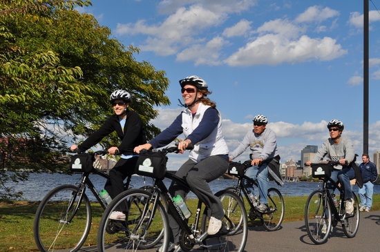 Urban AdvenTours: Bike Boston with us!