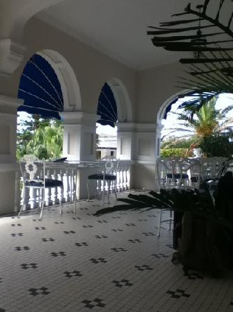 Rosedon Hotel: front porch