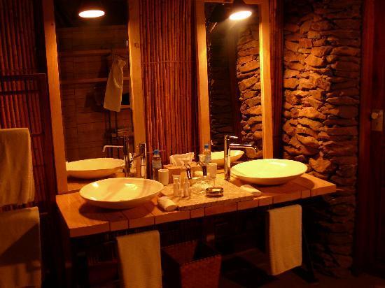 Singita Faru Faru Lodge: recht luxuriöse Interieur