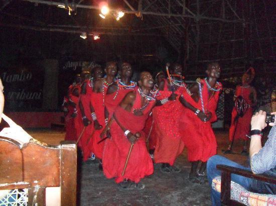 Angel's Bay Beach & Villas Resort : Masai