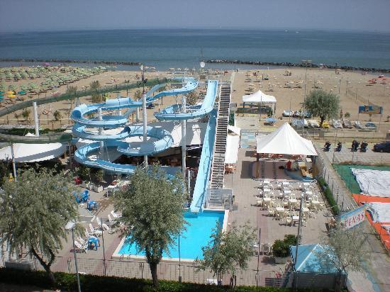 Hotel villa dei gerani rivabella italia prezzi 2018 e for Bagno 8 rivabella
