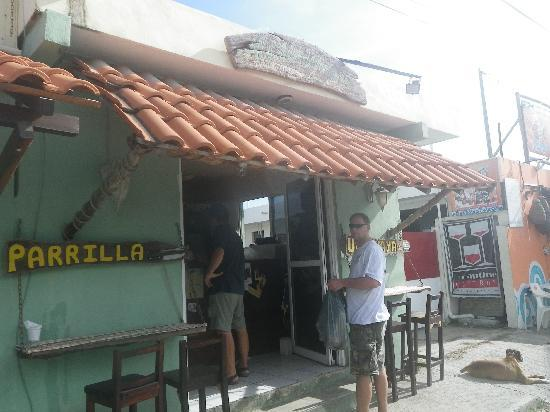 Al Chimichurri: front of restaurant