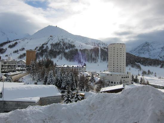 Grand Hotel Duchi d'Aosta : torre rossa-torre bianca